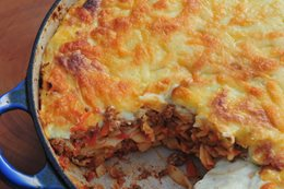 Spaghetti and beef mince pasta bake