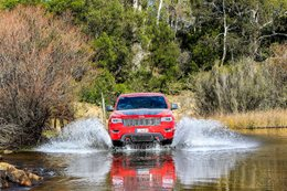 Jeep Grand Cherokee Trailhawk water