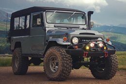 Custom Land Cruiser FJ45 Troopy main
