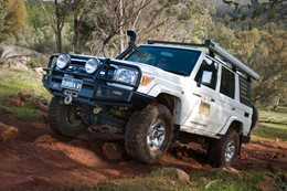 2010 Toyota Land Cruiser 76 Series hillclimb main