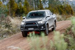 vfacts toyota hilux bestseller november