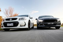 Ford Falcon XR8 vs Holden VFII SS V Redline
