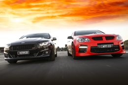 Herrod Motorsport XR8 vs Walkinshaw W507