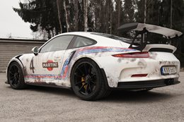 Porsche 911 GT3 RS wrapped as barn find
