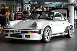 McLaren F1-engined Porsche 911