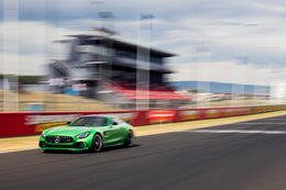 Mercedes-AMG GT R sets Bathurst lap record