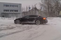 Tesla Model S snow donuts