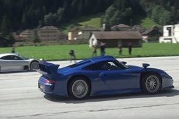 Porsche 911 GT1 vs Mercedes-Benz CLK GTR drag race