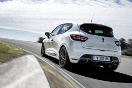 2018 Renault Clio RS Trophy rear