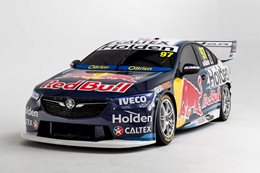 Holden to keep V8s in Supercars