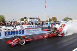 Nitro Thunder front-engine Top Fuel drag car