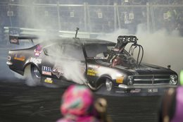 Top Fuel burnout car at Red CentreNATS