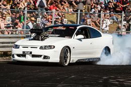 FEAR Monaro burnout at Red CentreNATS