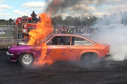 FRYZEM – MASSIVE BURNOUT FIRE AT TREAD CEMETERY 2015