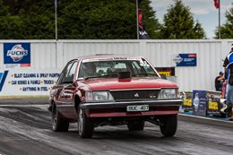 VH Commodore 355 Drag Challenge