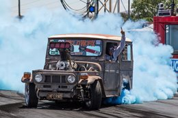 Toyota FJ40 burnout Summernats