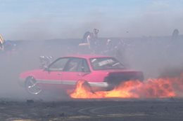 LOOSE VL Commodore burnout fire