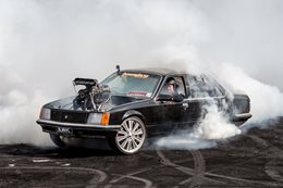 VC Commodore Burnout BLWNVC