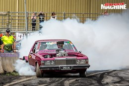 Holden WB One tonner burnout SMOKINU