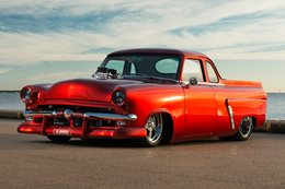 1953 FORD MAINLINE: OLD SKOOL