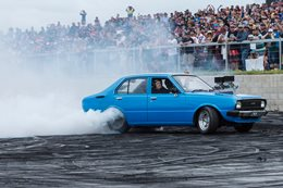 V8 Corolla burnout LYNCHY Steven Loader