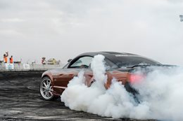 Ford Mustang burnout blown 2INSANE