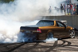 VF Commodore ute burnout UNWANTED
