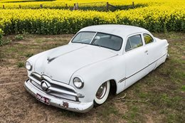 CHOPPED 1949 FORD TUDOR SINGLE SPINNER