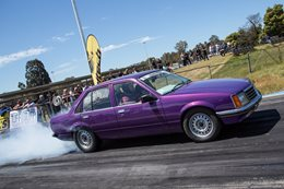 DRAG CHALLENGE: TURBO V6 VB COMMODORE RUNS 10.99