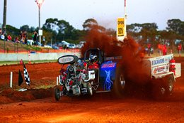 TOORADIN TRACTOR PULL 2016