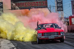 HQ Holden burnout