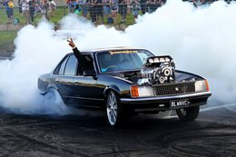 VC Commodore blown burnout BLWNVC