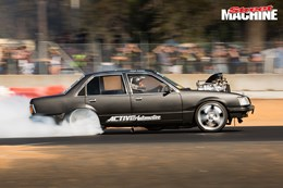 VH Commodore PARALINES burnout 1 nw