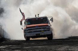 Farmtruck burnout Summernats