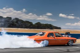 HQ Holden burnout KRANKY 1