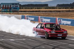 VH Commodore blown burnout
