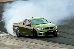 Chris Harris v HSV GTS Maloo