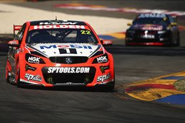 James Courtney wins at Clipsal 500