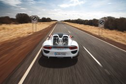 2015 Porsche 918 Spyder high-speed outback run