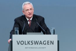 Volkswagen chief Martin Winterkorn resigns over diesel scandal