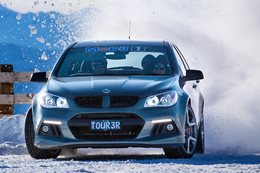HSV GTS drifting on snow