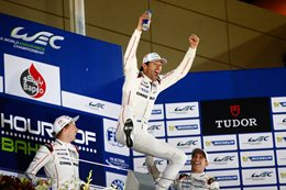 Mark Webber snares maiden world title thriller