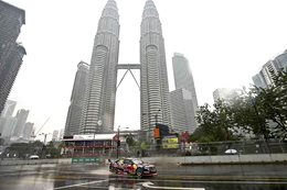 V8 Supercars in KL F1 pre-season testing
