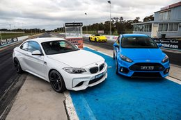 BMW M2 vs Ford Focus RS drag race