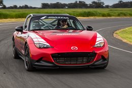2016 Mazda MX-5 Cup edition