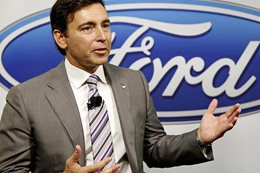 Ford CEO Mark Fields replaced by furniture man