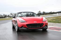 Mazda MX5 Cup front on MAIN