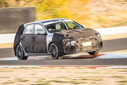 Hyundai i30 N crackles and growls at Mount Panorama