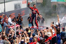Jamie Whincup wins the cup