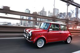 2018 New York Motor Show Classic Mini E concept revealed